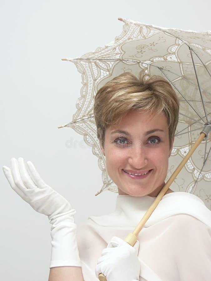 Download Mujer Hermosa Con El Paraguas De Lujo Foto de archivo - Imagen de suposición, guantes: 178476