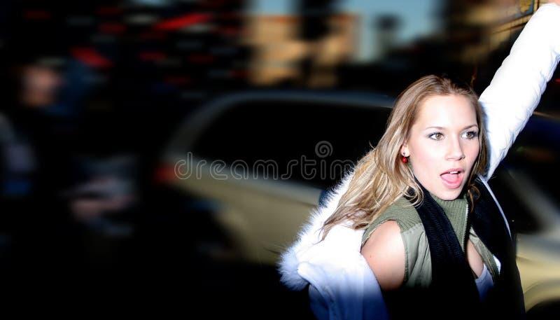 Mujer hermosa de la ciudad imagenes de archivo
