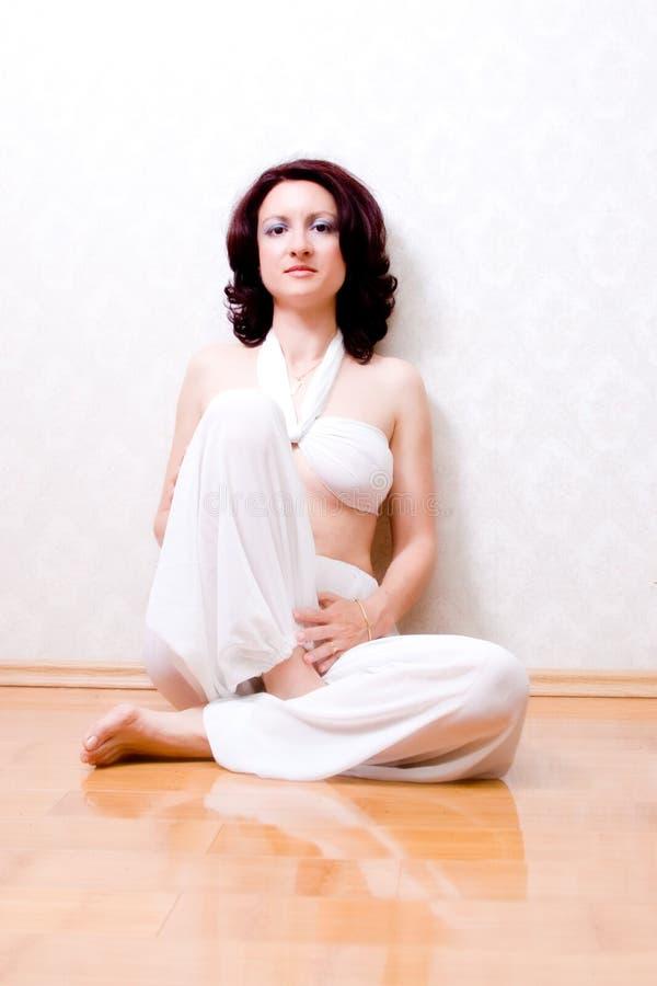 Mujer hermosa del zen imagen de archivo