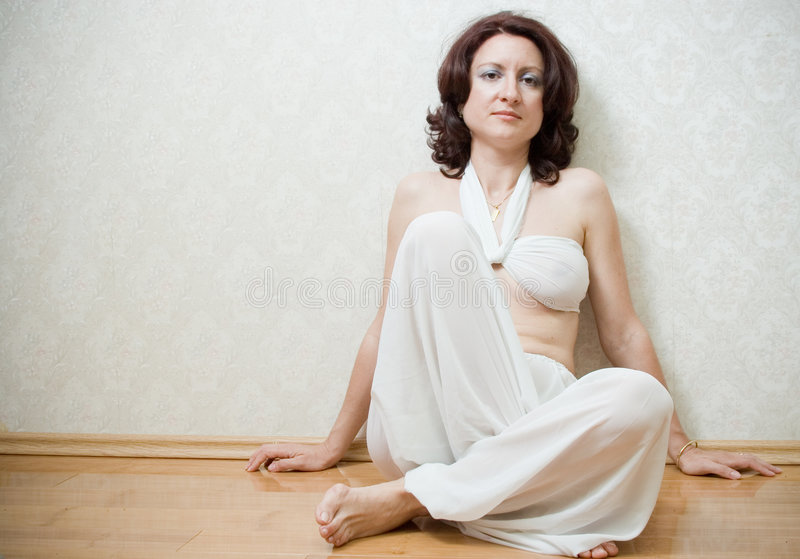 Mujer hermosa del zen imagenes de archivo