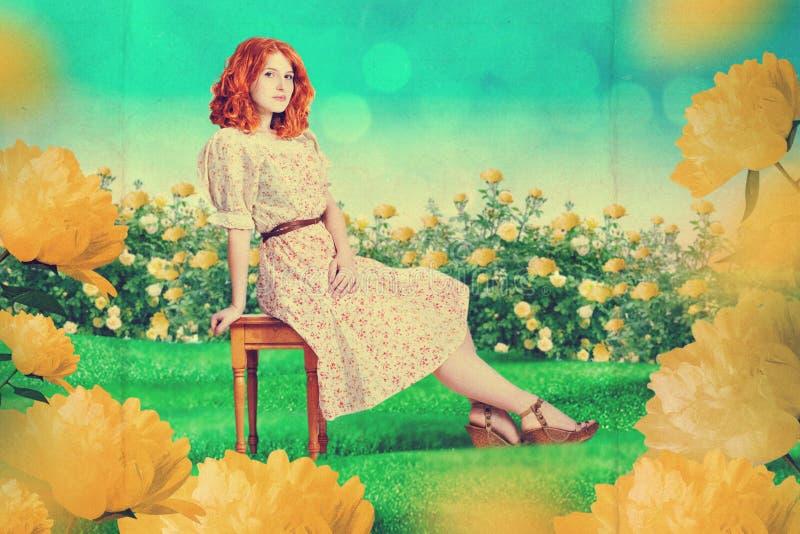 Mujer hermosa en jardín de hadas foto de archivo