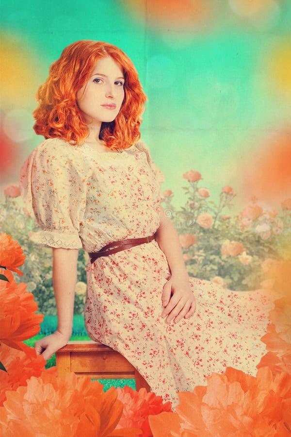 Mujer hermosa en jardín de hadas fotografía de archivo libre de regalías