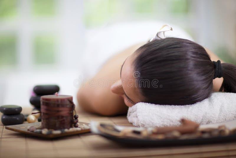 Download Mujer Hermosa En Salón Del Balneario Imagen de archivo - Imagen de día, salud: 41915381