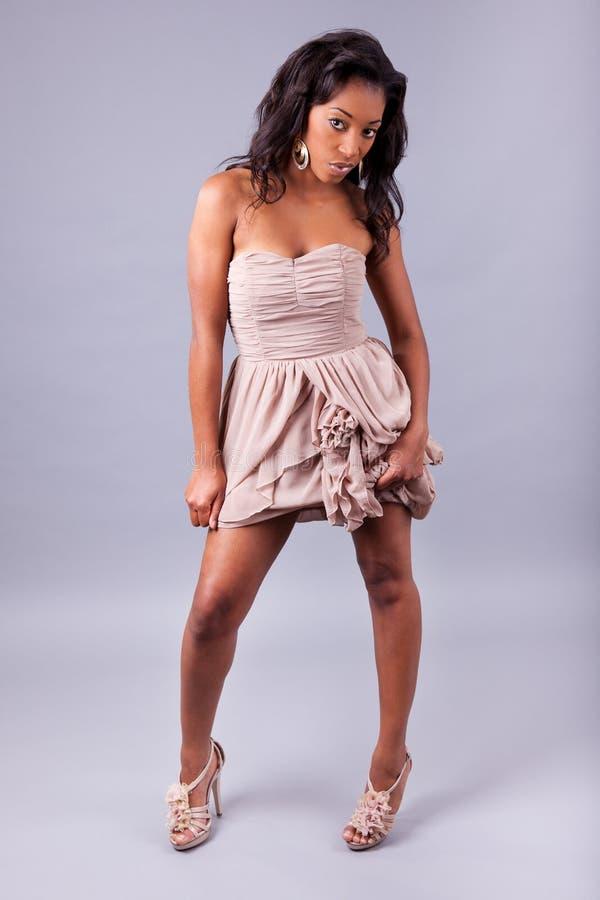 Mujer hermosa joven del afroamericano fotos de archivo libres de regalías