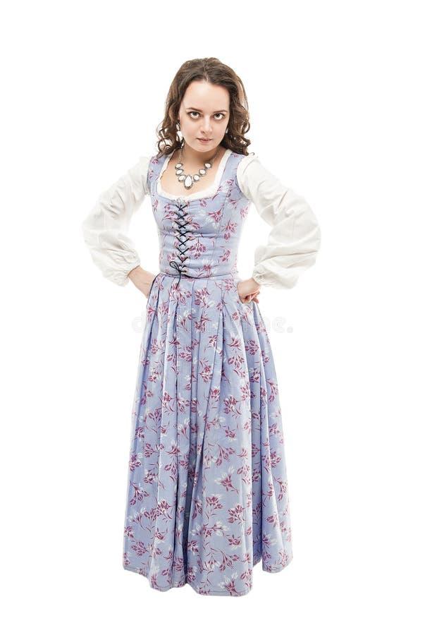 Mujer hermosa joven en el vestido medieval largo aislado imágenes de archivo libres de regalías