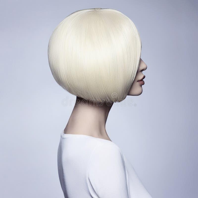 Mujer hermosa Peinado de Bob fotografía de archivo