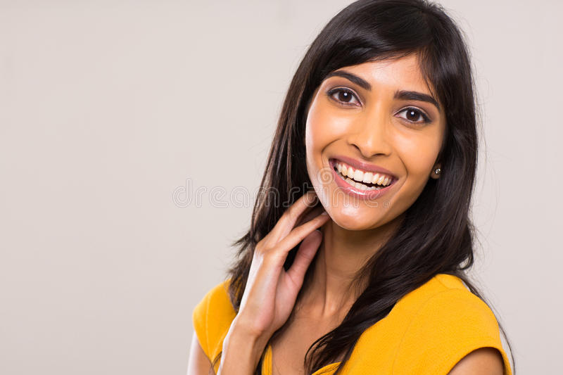 Download Mujer india joven alegre imagen de archivo. Imagen de hermoso - 42426069