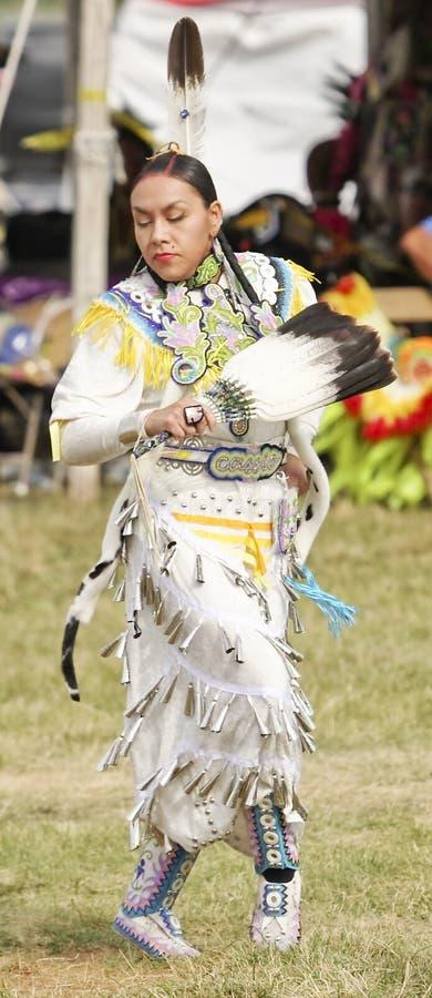 Mujer india nativa imagen de archivo libre de regalías