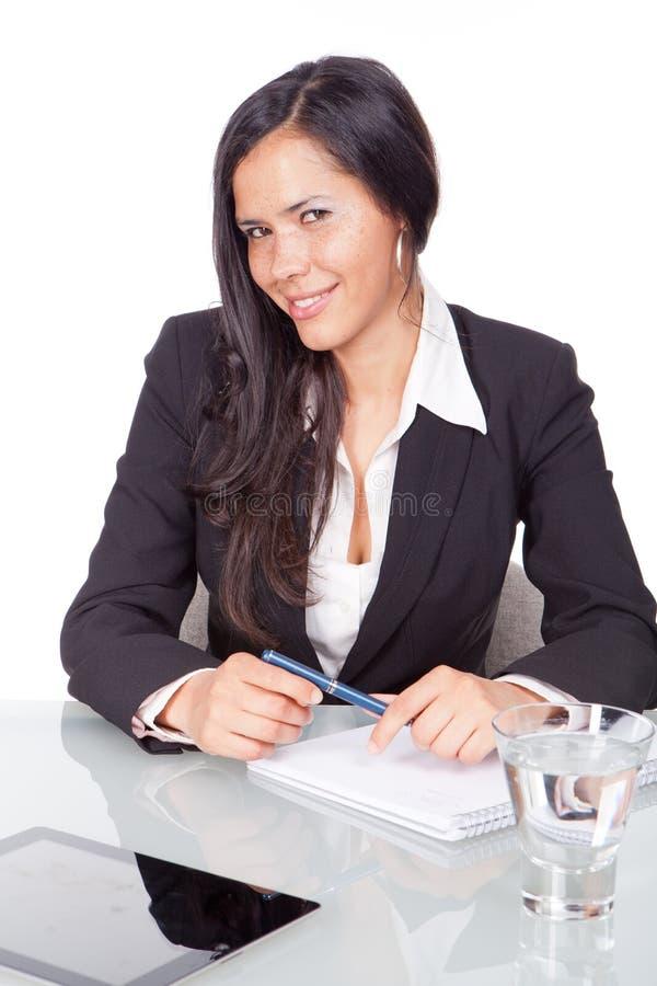 Mujer joven administrativa fotos de archivo