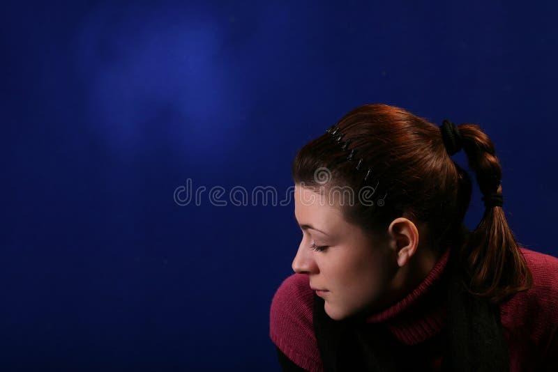 Download Mujer joven aislada imagen de archivo. Imagen de estilo - 7279521