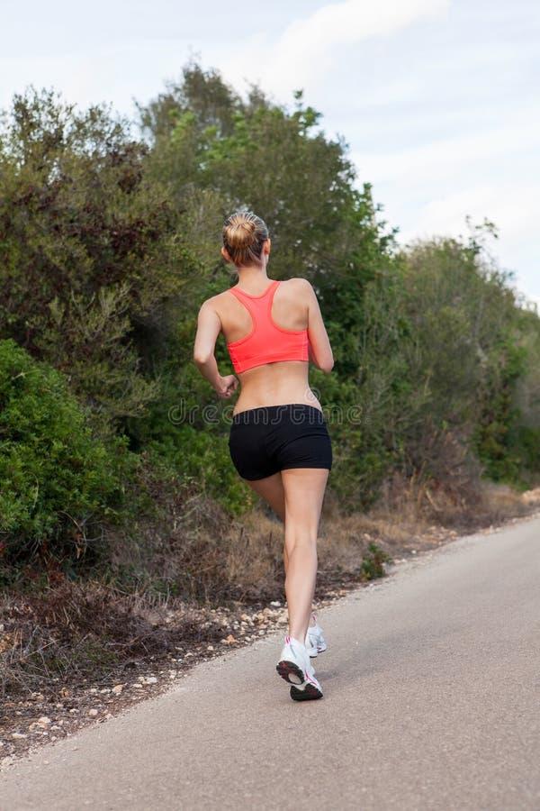 Download Mujer Joven Apta Que Activa Foto de archivo - Imagen de aptitud, ejercicio: 41911110