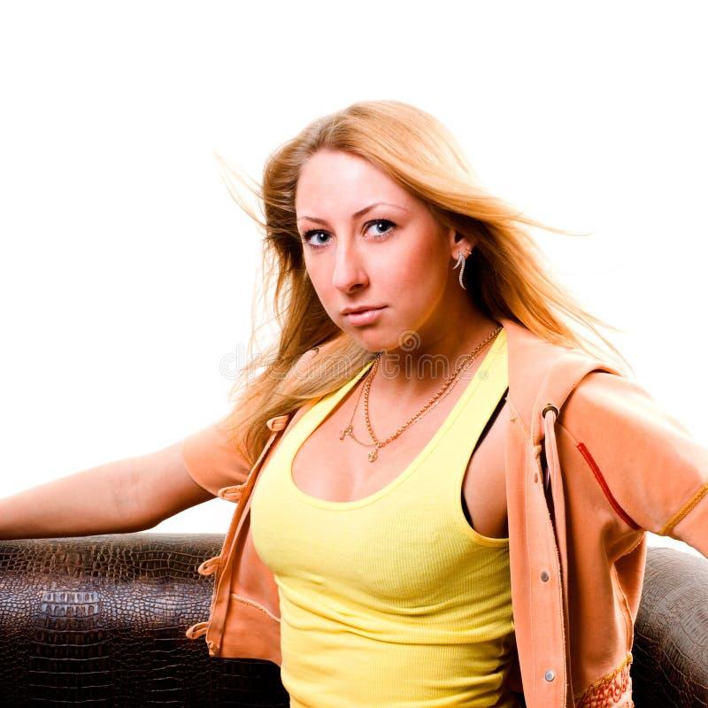 Mujer joven atractiva fotografía de archivo libre de regalías