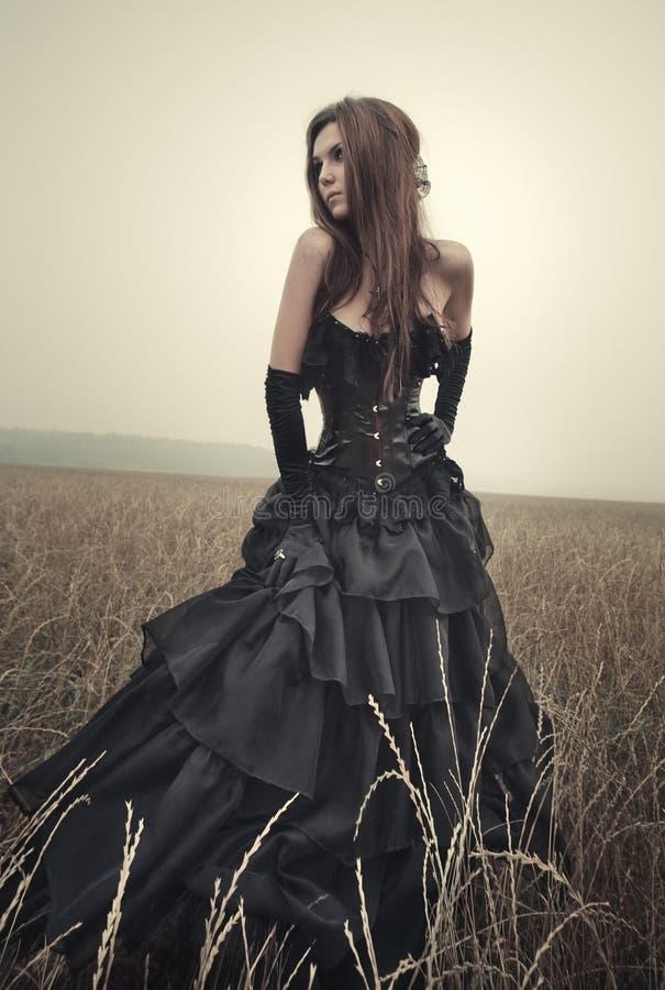 Mujer joven del goth imágenes de archivo libres de regalías