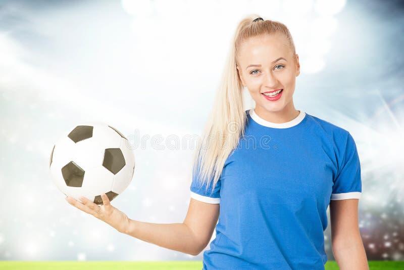 Mujer joven deportiva fotos de archivo libres de regalías