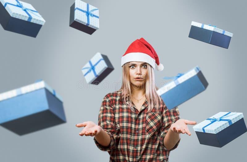 Mujer joven en Red Hat imagen de archivo libre de regalías