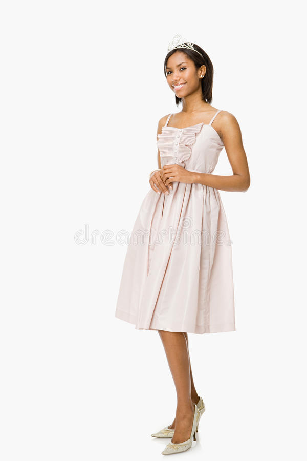 Mujer joven en vestido del baile de fin de curso fotos de archivo libres de regalías