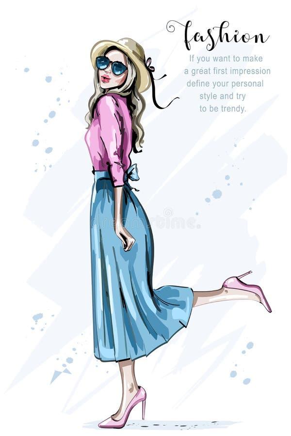 Mujer joven hermosa dibujada mano en sombrero Mujer de la manera en gafas de sol Muchacha feliz bosquejo ilustración del vector