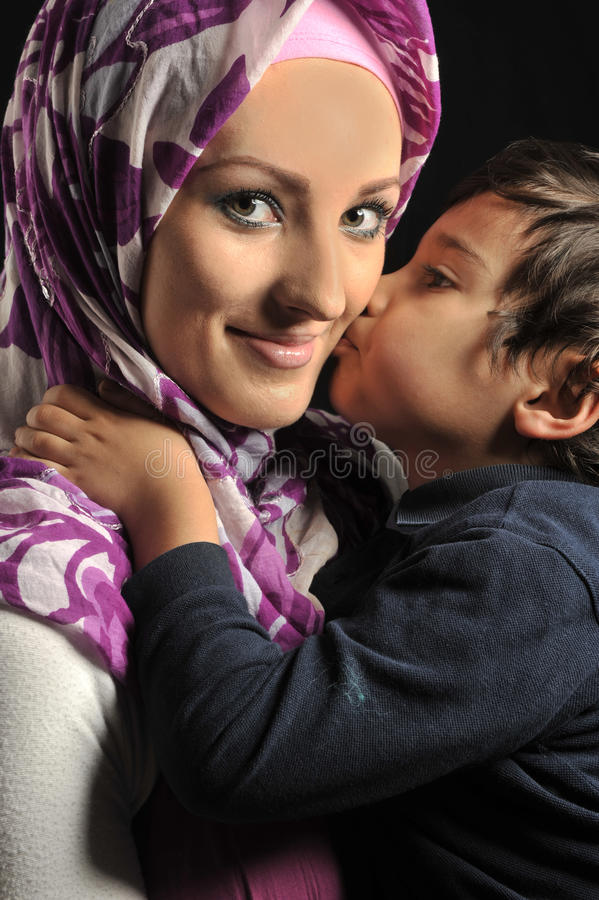 Mujer joven musulmán imagenes de archivo