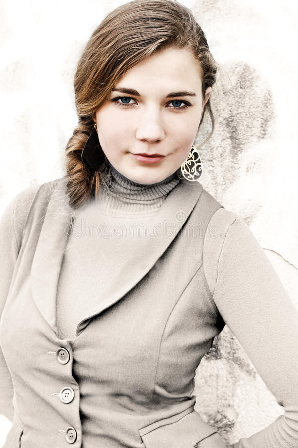 Mujer joven preciosa fotos de archivo