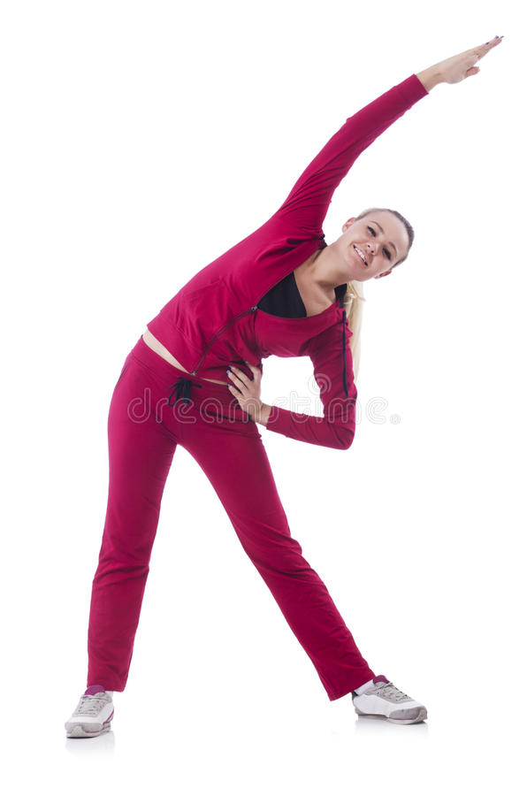 Mujer joven que hace ejercicios