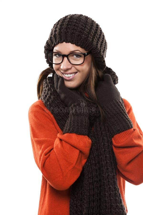 Mujer joven sonriente en vidrios modernos fotos de archivo