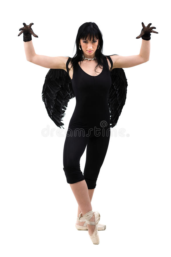 Mujer joven vestida como baile oscuro del ángel, aislado en cuerpo completo en blanco fotografía de archivo libre de regalías