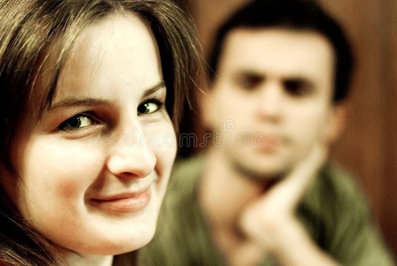 Mujer joven y novio fotos de archivo libres de regalías
