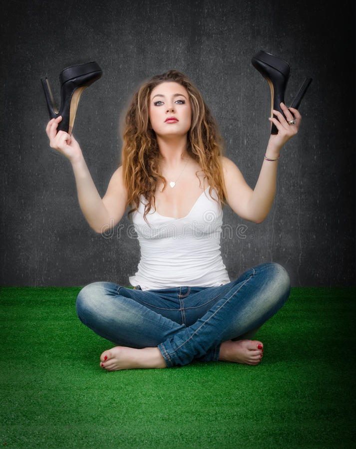 Mujer lista para la yoga imágenes de archivo libres de regalías