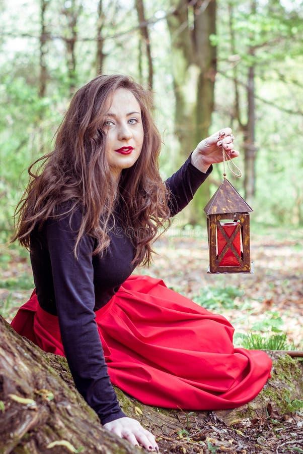 Mujer mística de la bruja fotografía de archivo libre de regalías