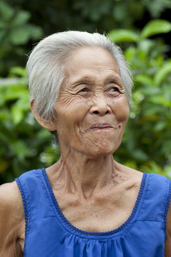 Mujer mayor Asia del retrato fotografía de archivo libre de regalías