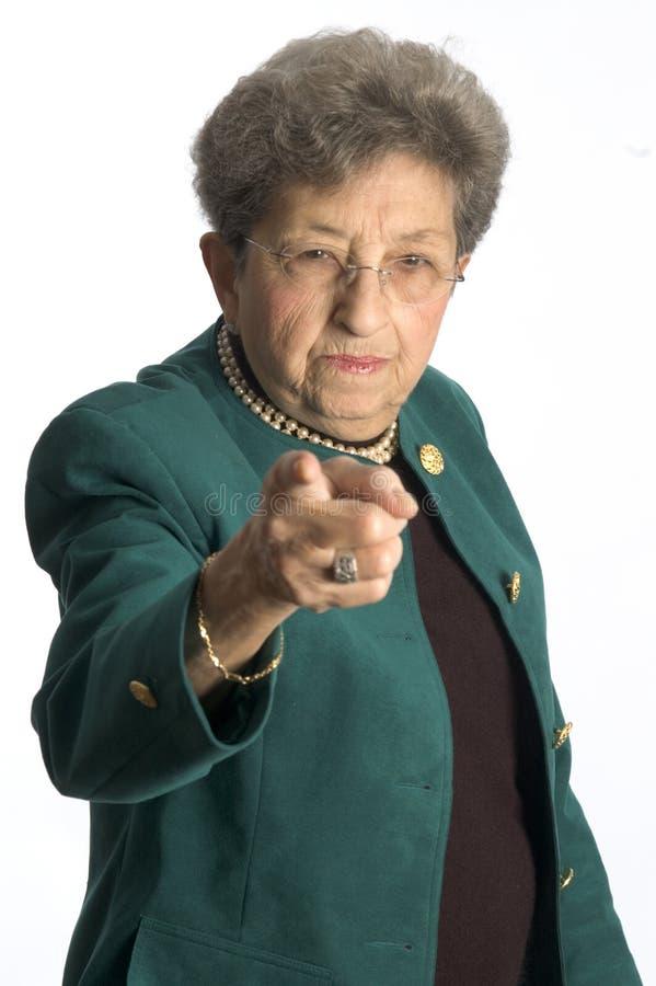 Mujer mayor seria imagenes de archivo