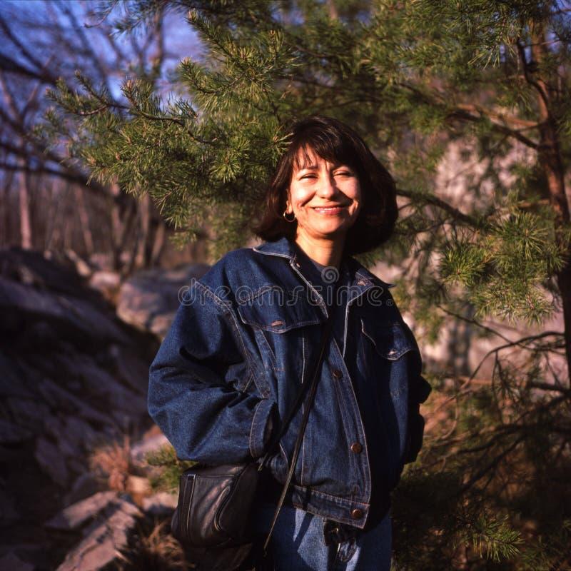 Mujer mexicana cerca de Great Falls Maryland foto de archivo libre de regalías