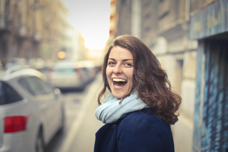 Mujer muy feliz foto de archivo libre de regalías