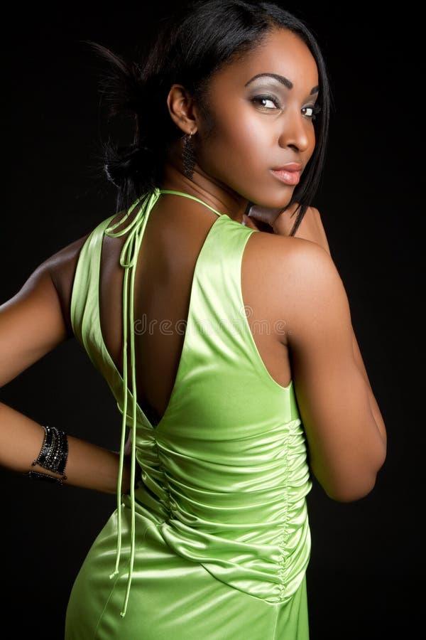 Mujer negra atractiva fotografía de archivo