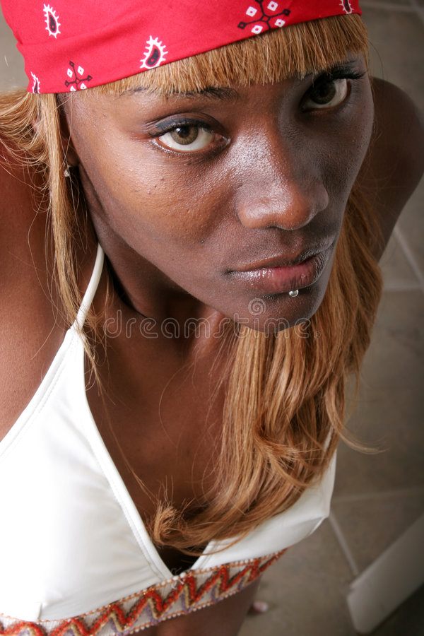 Mujer negra atractiva imagenes de archivo
