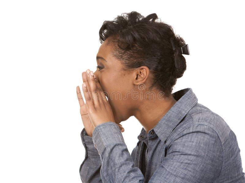 Mujer negra que grita fotos de archivo