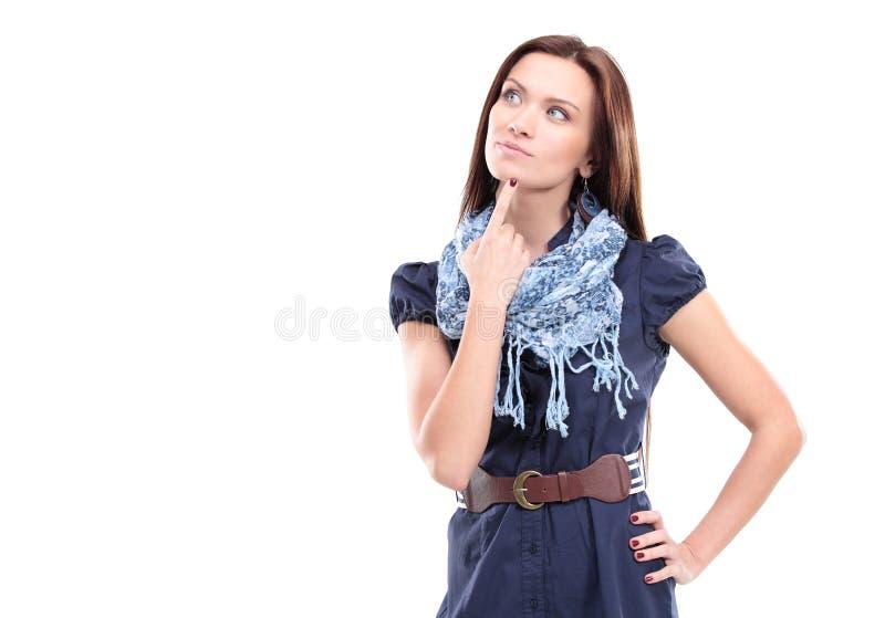 Mujer pensativa hermosa que mira para arriba imágenes de archivo libres de regalías
