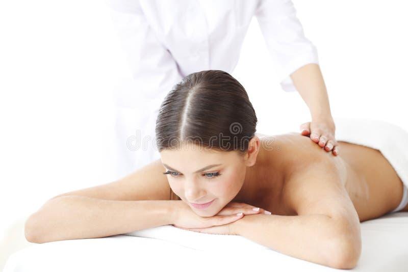 Mujer que consigue masaje foto de archivo libre de regalías