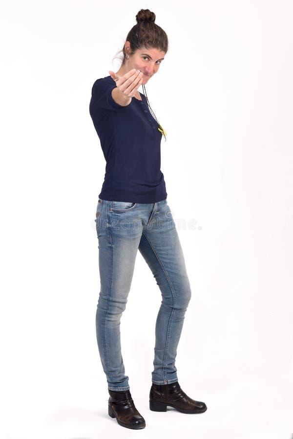 Mujer que dice con su finger venir fotografía de archivo