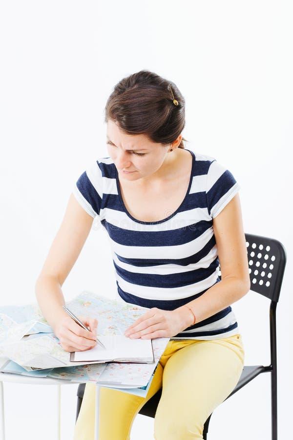 Mujer que estudia difícilmente fotografía de archivo