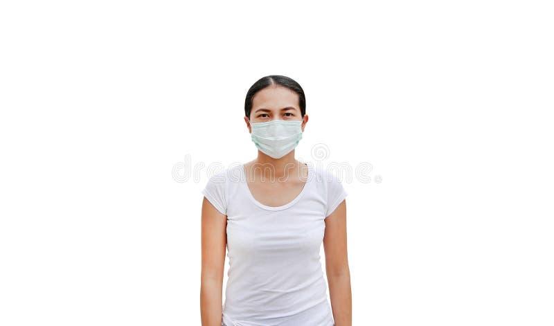 Mujer que lleva una máscara protectora aislada en el fondo blanco fotografía de archivo