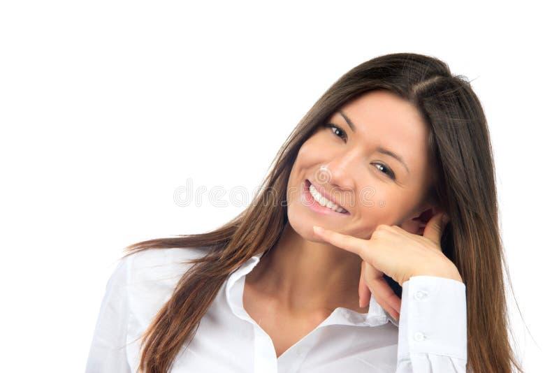 Mujer que me hace la llamada gesto de la muestra fotos de archivo libres de regalías