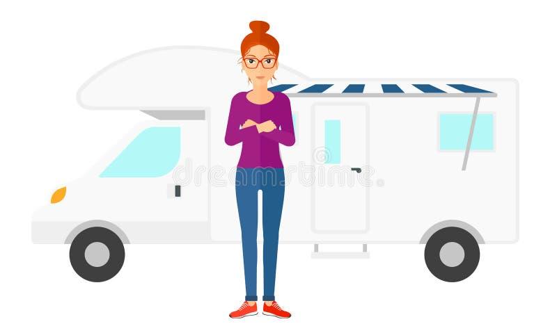 Mujer que se coloca delante de autocaravana stock de ilustración