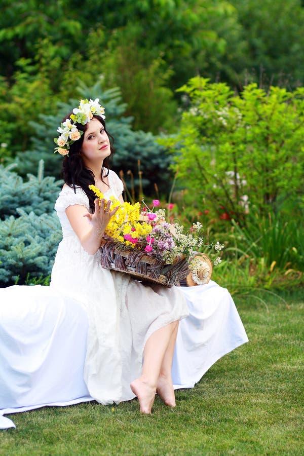 Mujer romántica imagen de archivo libre de regalías