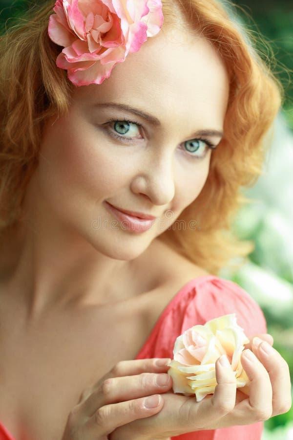 Mujer romántica foto de archivo