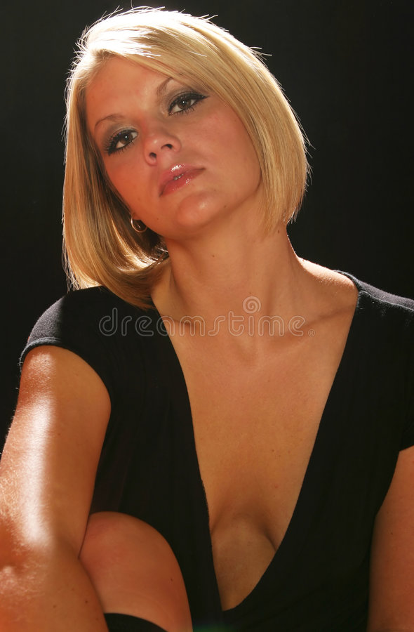 Mujer rubia hermosa foto de archivo
