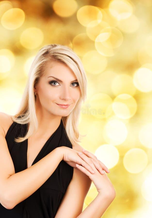Download Mujer rubia hermosa foto de archivo. Imagen de belleza - 7289664