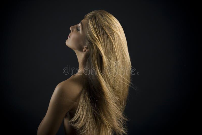 Mujer rubia joven hermosa fotos de archivo