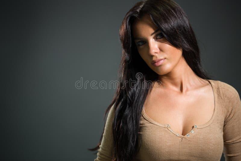 Mujer sensual de la belleza fotografía de archivo libre de regalías