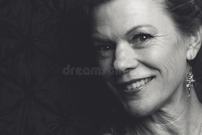 Mujer sonriente de la Edad Media fotografía de archivo